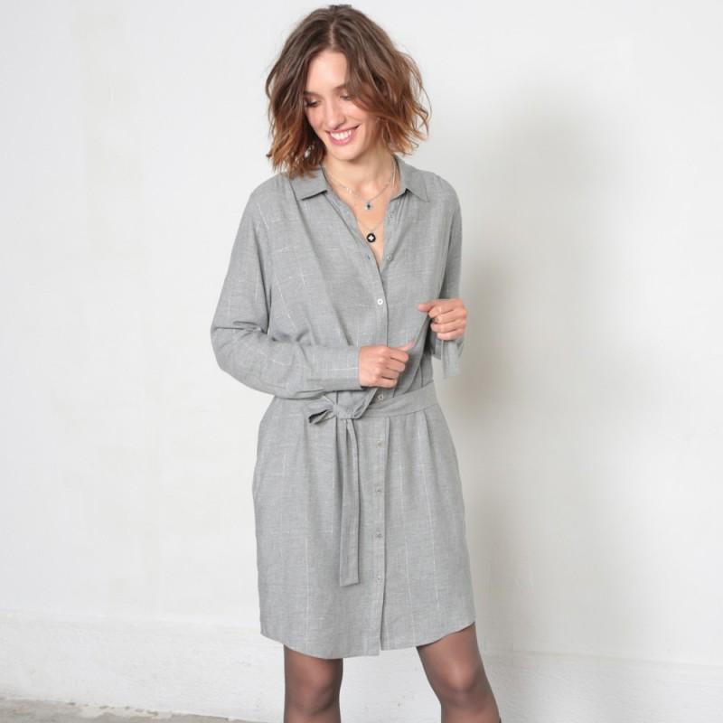 Robe droite grise à manches longues et à carreaux avec col
