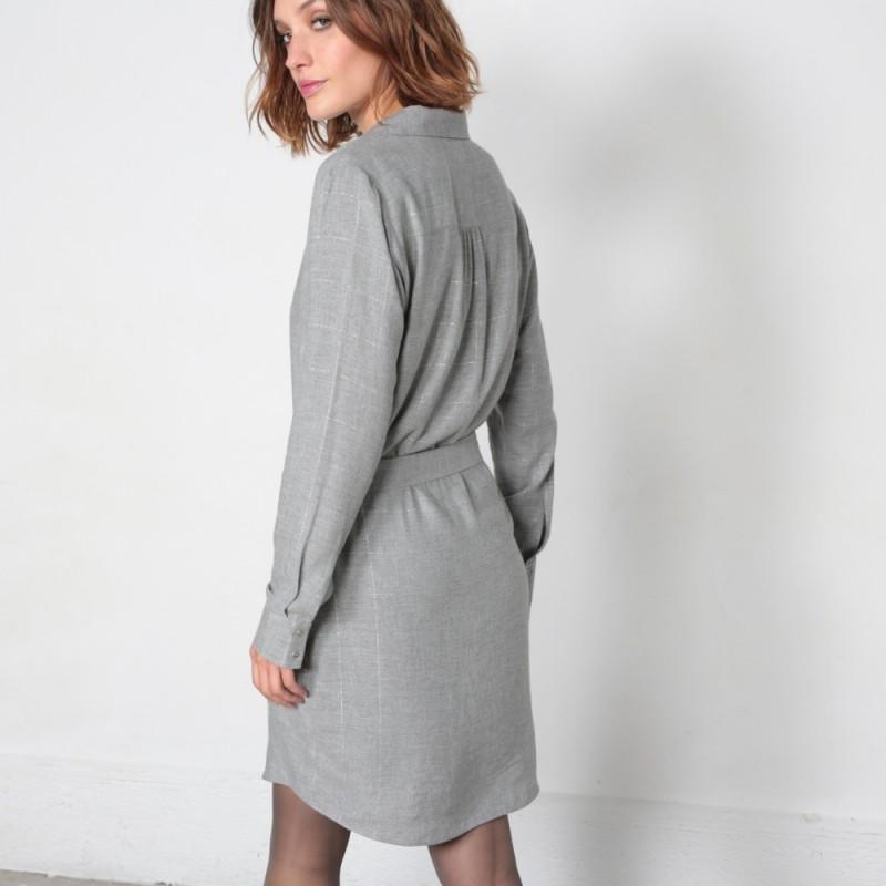3bef064ab2f Robe chemise grise à carreaux ceinturée avec manches longues
