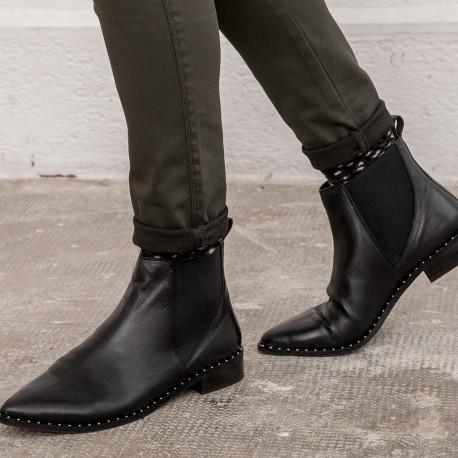 double coupon Excellente qualité détaillant en ligne Bottines plates noires cloutées à bouts pointus Chaussures Produits  19TIJUANA Noir — Elora