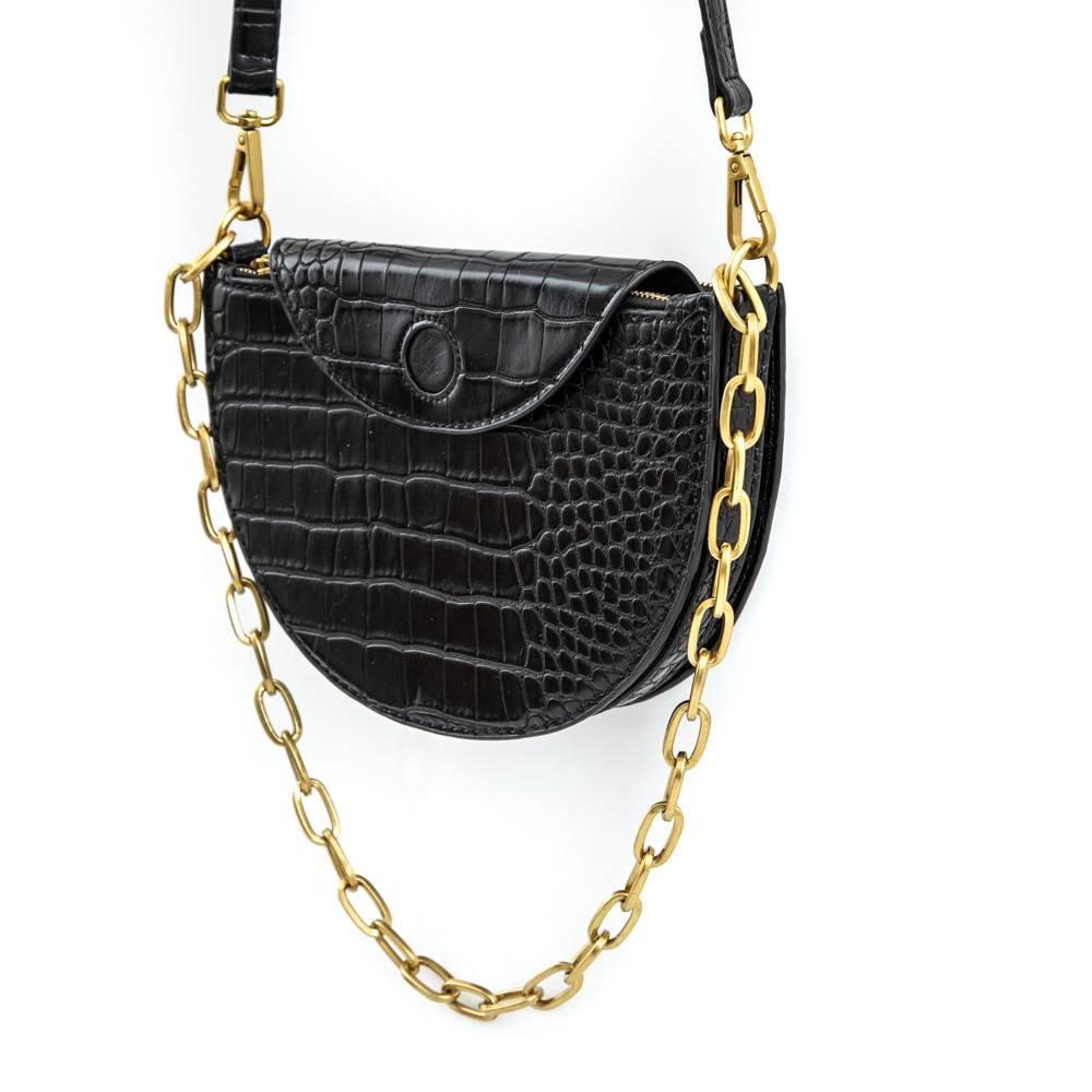 Petit sac pochette demi-lune noir avec une chaîne dorée