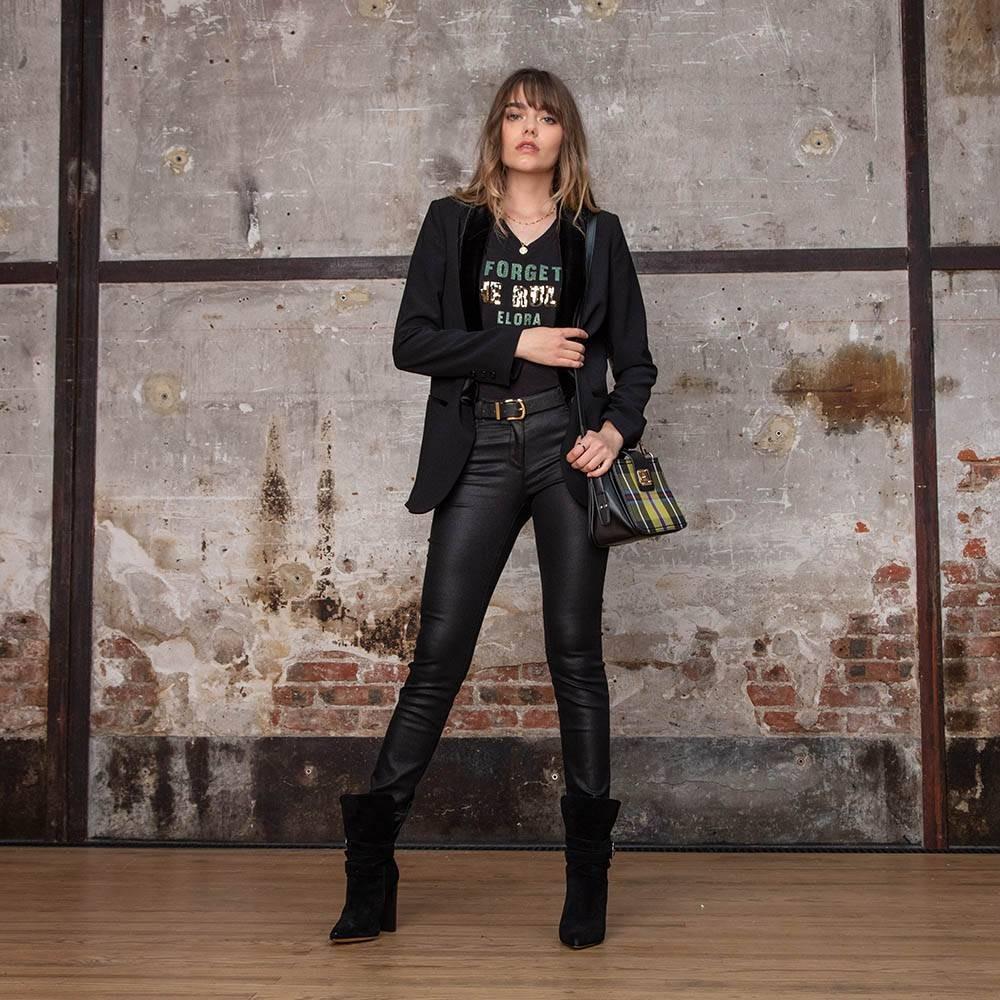 Pantalon slim enduit noir confortable et gainant