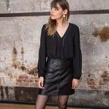 Mini jupe noir en simi cuir