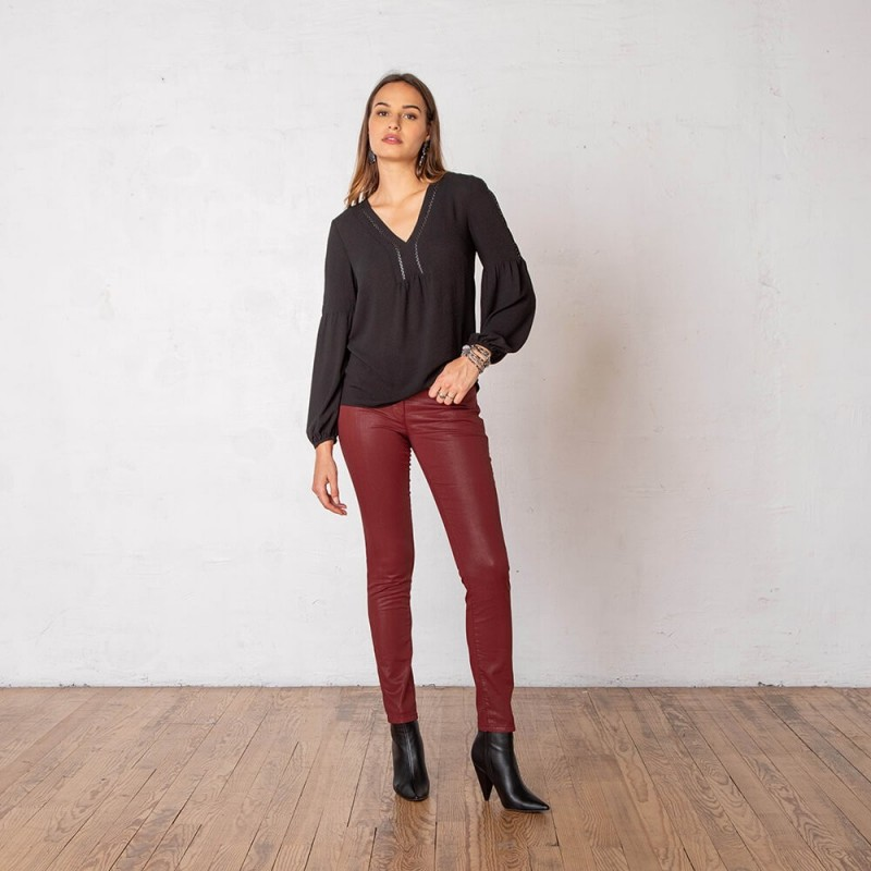 Pantalon slim enduit en stretch couleur rouille