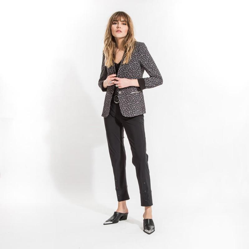 Pantalon noir extensible et galbant éco-responsable