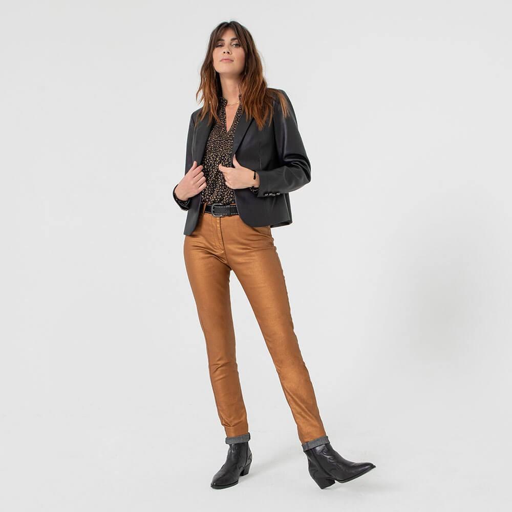 Pantalon droit ajusté en denim noir et foil cuivré