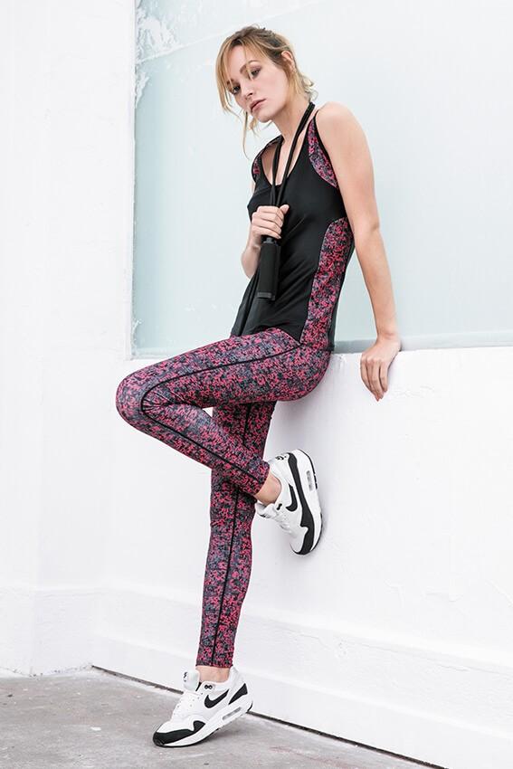 33d9306ba4515 Vêtement femme Sport 2018, nouvelle collection prêt à porter Sport 2018