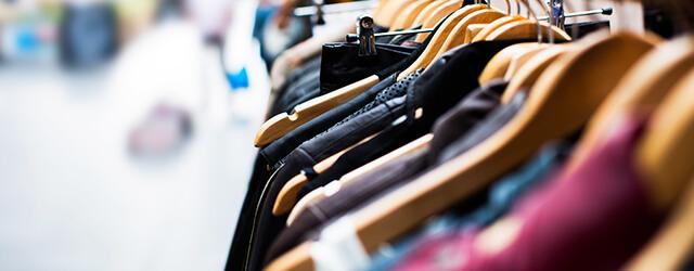 La vente à domicile vêtements par Elora
