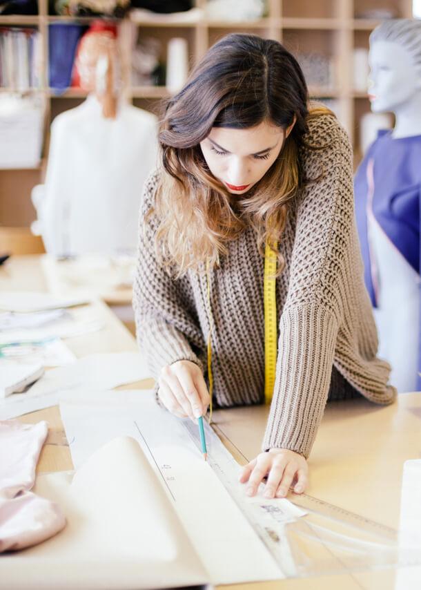 Atelier creation styliste mode ete marque elora vente a domicile prêt a porter femme