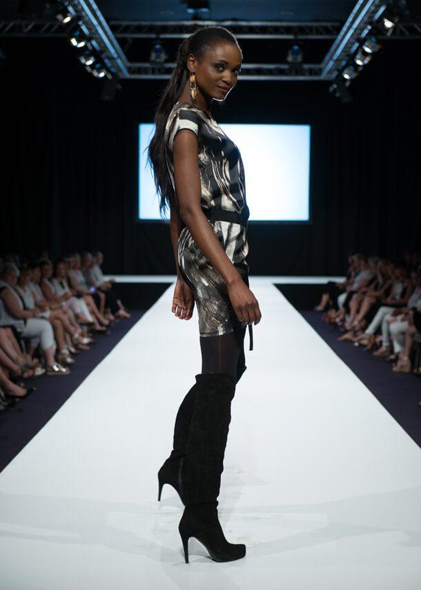 Defile mode marque elora vente a domicile prêt a porter femme